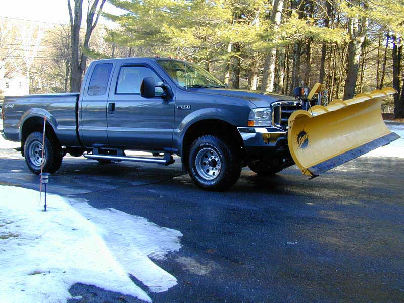 04 F250 Rt Front w Plow Up Small.jpg
