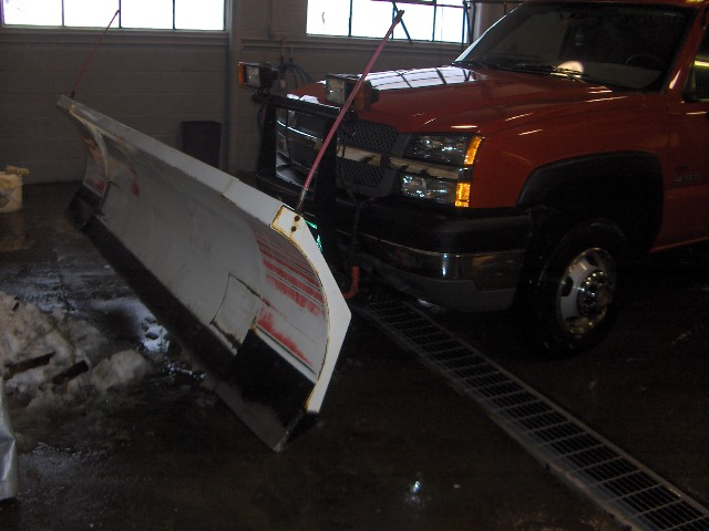 04' silverado 1-ton with blizzard 810 003.jpg