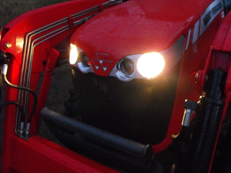2009MasseyFerguson1643L-front-end-lowbeam-headlights.jpg