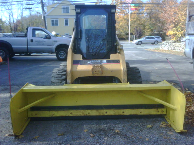 Cat 236 w pusher.jpg