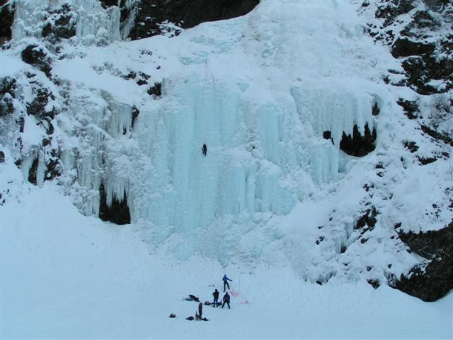 climbing a frozen waterfalls (Small).JPG