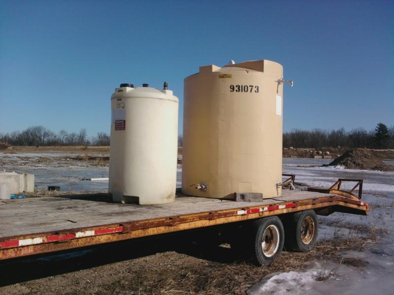 Deicing Tanks.jpg