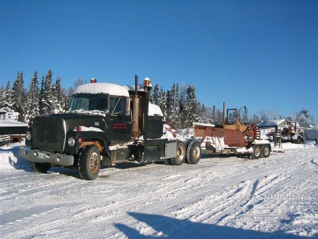 DOUBLE DUALLY hauling KOMMUNIST KAT nov 15 2006 001.jpg