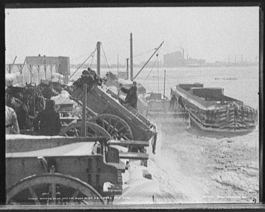 dumping_snow_into_river_nyc_1899.jpg