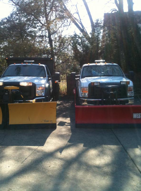 F550 and F350 with plows 4.jpg