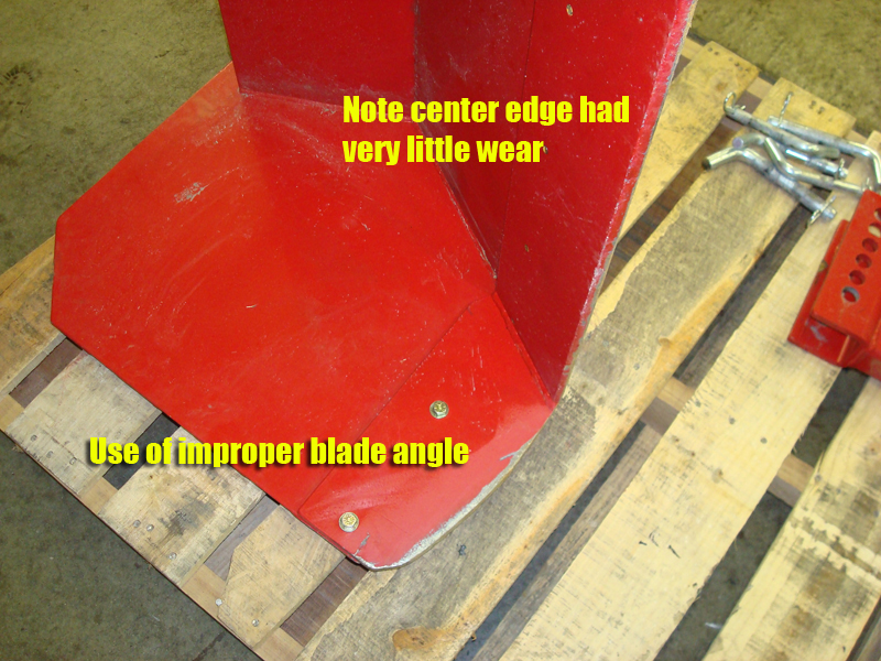 Improper-blade-angle-note-center-edge-had-very-little-wear-by-complaining-customer.jpg