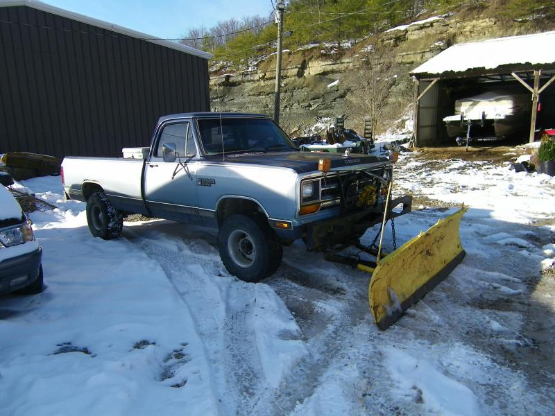 mtm trucks 2011 snow 001 small.jpg