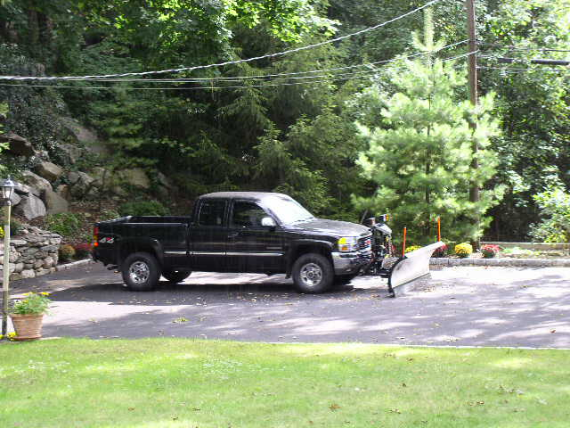my truckplow and driveway work 027.jpg