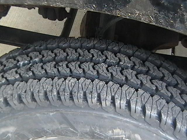 new tires ford 001 (Small).jpg