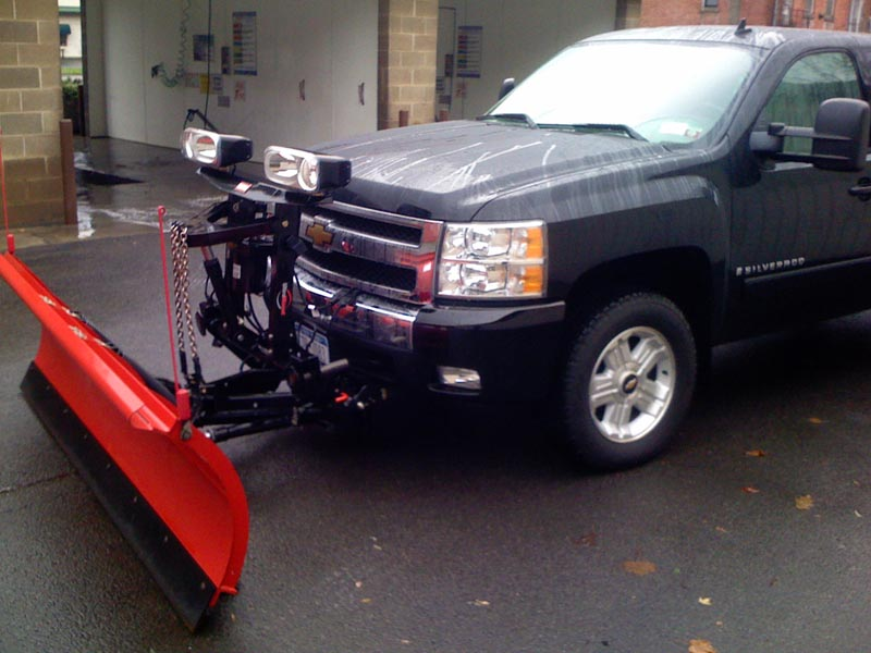 New truck with plow 007.jpg