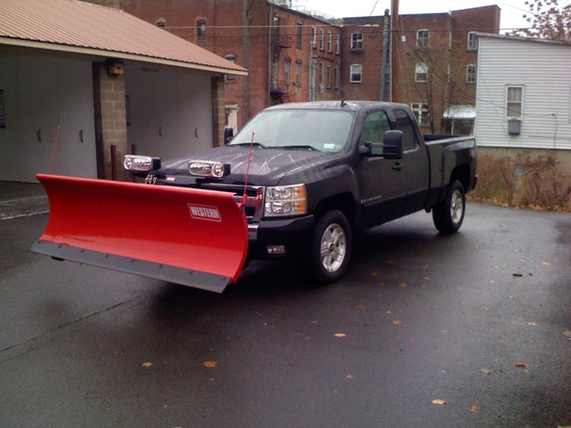 New truck with plow 019.jpg