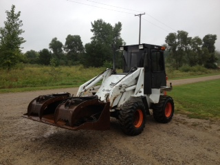 Bobcat 2400 articulated loader specs