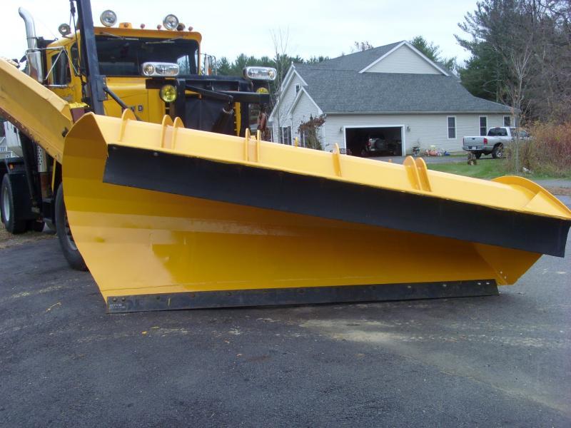 SI850028 plow 2.jpg
