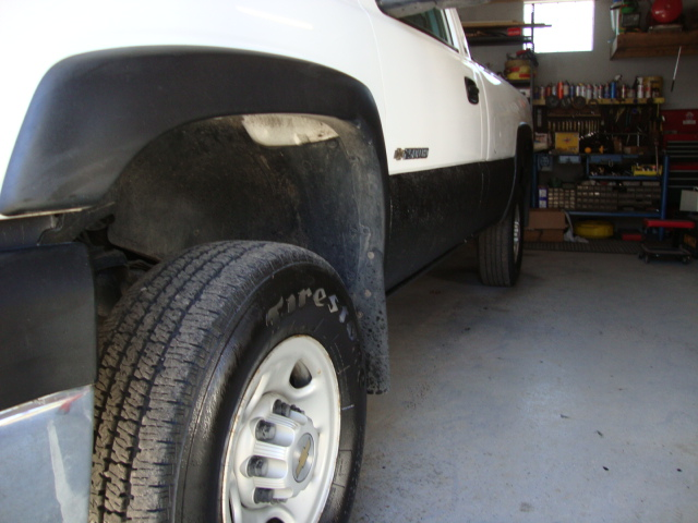 sides bedliner-driver down whole side-wheels shiny.JPG