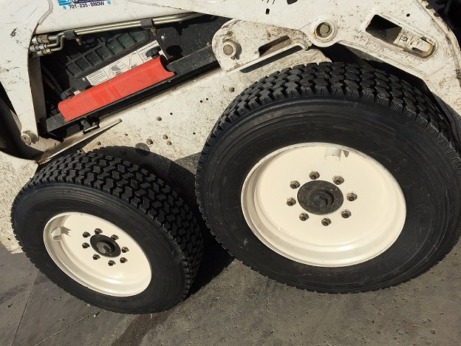 skid steer tires (1).jpg