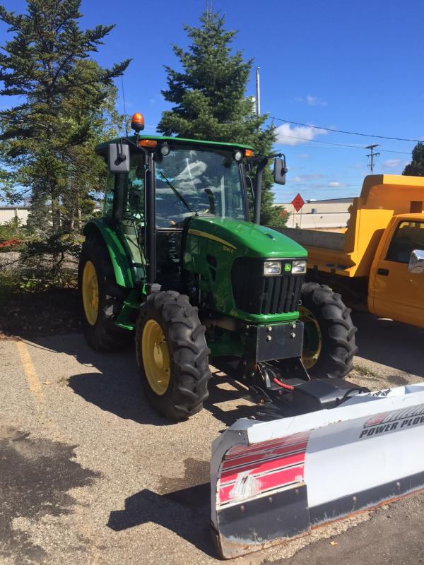 Tractor left.jpg