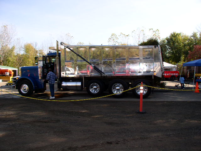 truck expo. and st. jacques bbq 014.jpg