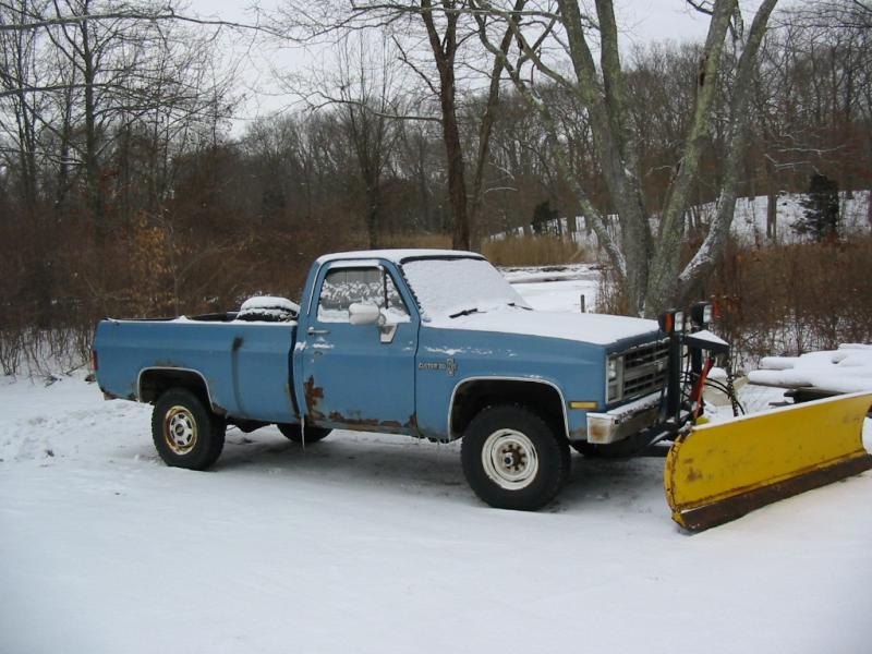 Trucks and GP in snow 025.jpg