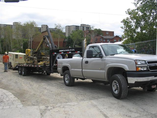 truckwithdrill 002 (Small).jpg